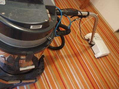 Hochleistungs Teppichreinigungsmaschine + elektrischer Bürstautomat